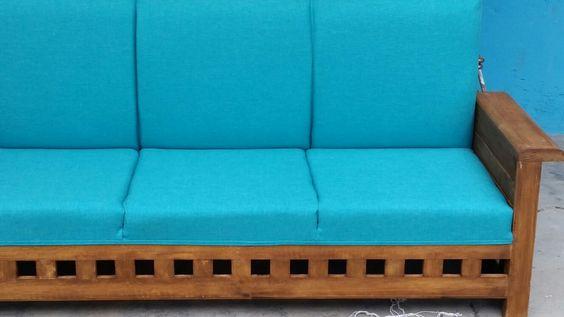 Retapizado en textil de lino en color aqua! Sillón en tono rústico.