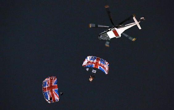 The Queen jumps in: Queens, The Queen, Best Of British, Queen Jumps
