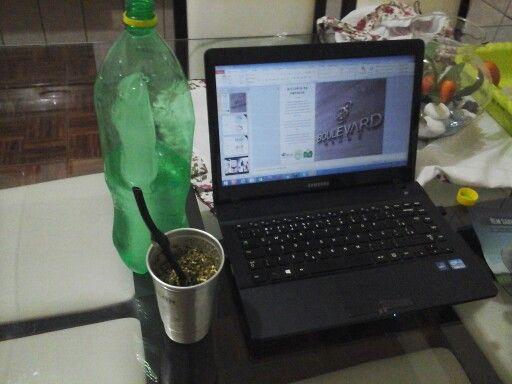 trabalhando em casa