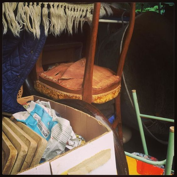 And the unloading begins in earnest! #unpackingtreasure #frenchfinds #frenchvintage #vintage #lovinglymade