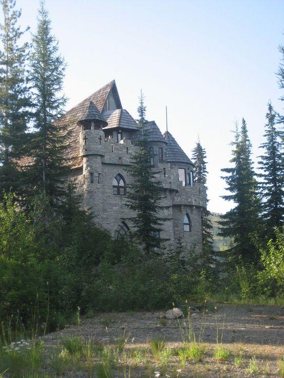 2. Castle Kataryna, Sandpoint  http://www.onlyinyourstate.com/idaho/idaho-castles