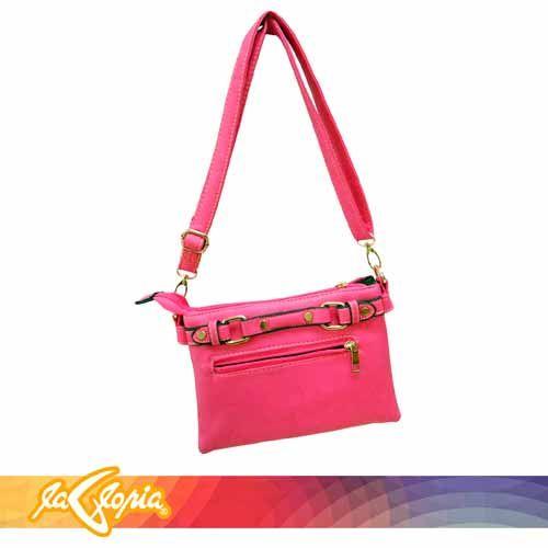 Un #bolso que llevarás tanto como puedas y siempre complementará tu atuendo con éxito  #accesorios 1er.Piso
