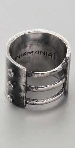 love this ring, even though it's for women. I wish they'd come up with more cool stuff for guys!