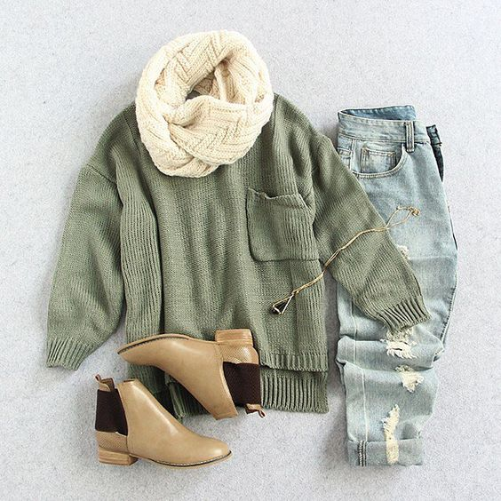 Clean and so so fresh, for extra cool points. Loveeee~~ Shop link in bio. (SKU: sweater160907215 US$22.99 ) #romwe #green #sweater #pocket #casualpiece #streetinspo #instaoutfit