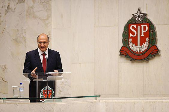 Com ausências de FHC e Aécio, Alckmin toma posse em SP
