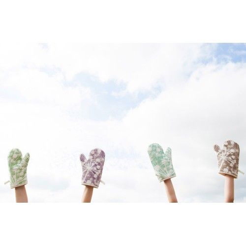 Cow Parsley Oven Mitt Collection by Rachael Taylor http://www.rachaeltaylordesigns.co.uk/shop/for-the-home/kitchen/oven-mitts/cow-parsley-oven-mitt-collection