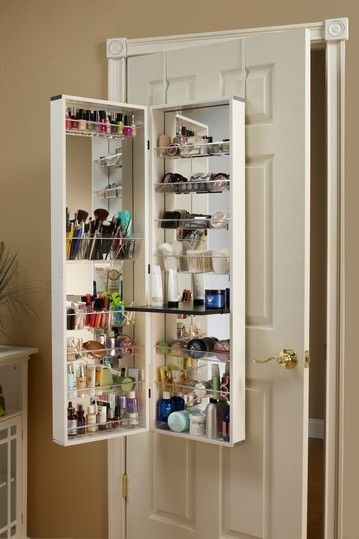 UNA BUENA IDEA!!! Mueble colgante para guardar maquillajes