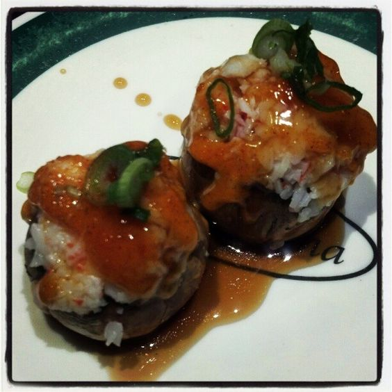 Krab-stuffed mushrooms with a spicy sauce... I had these at Sushi Hana - now I gotta make these myself! They are soooooo delicious!