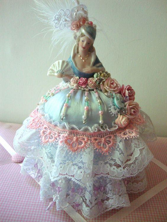 ILuvVintageScrap: Marie Antoinette Pin Cushion❤❤❤