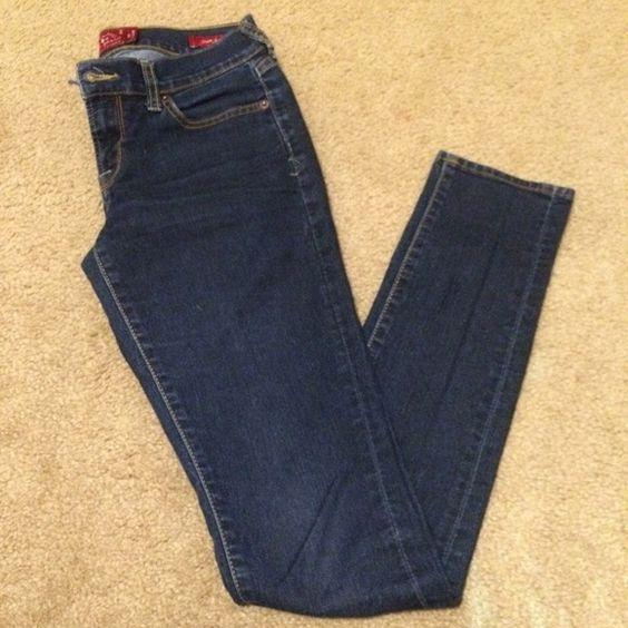 Charlie skinny lucky brand jeans Really nice dark wash Charlie skinnys! Lightly worn Lucky Brand Jeans Skinny