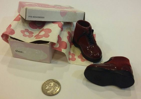 Red Boot / Shoes SHOEZIES with Box & wrap Lot Set Decor Accessory / Diorama EUC