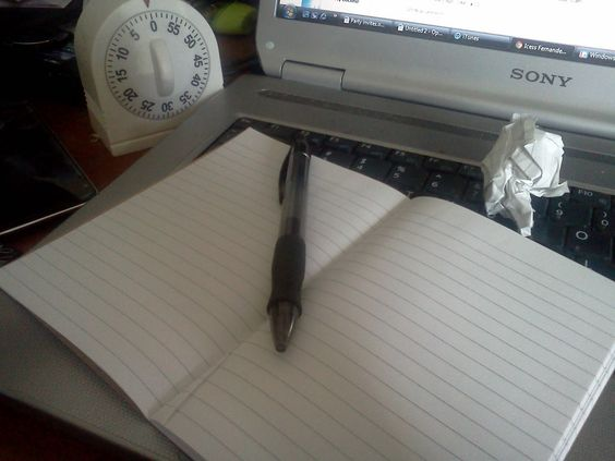 Writing to Insanity: Writing tips for bloggers and blogging writers