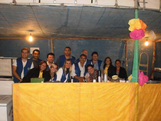 Rotary Club Buritis e Casa da Amizade trabalhando em Parceria na Barraca da APAE-Buritis durante a festa da Padroeira Nossa Senhora da Pena.