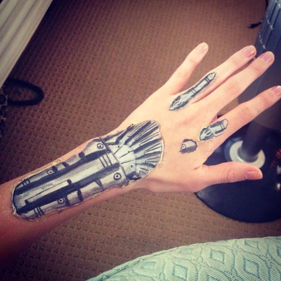 Terminator hand makeup special effects halloween for Terminator face tattoo