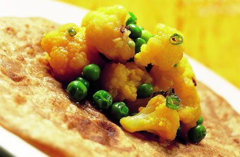Cauliflower with green peas | Recipe | Cauliflowers, Green and Curries