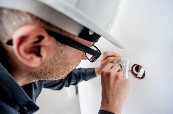 electricien-metier-competences