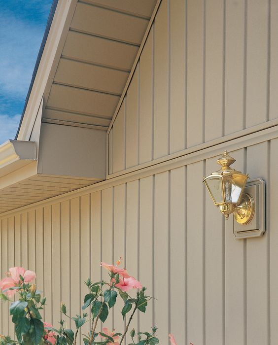 Vertical board and baten vinyl siding alabama board and for Modern house siding solutions