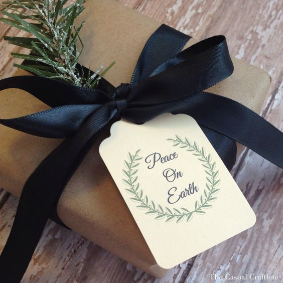 Pretty wrapping ideas plus free printable holiday tags