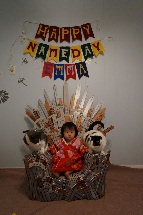 Parents throw 1-year-old Game of Thrones party (kid appropriate, of course!) me as a parent
