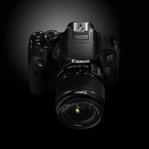 Preview Canon 650D SLR Camera and Lenses STM