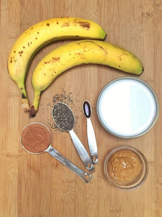 Peanut Power Smoothie Bowl via MealMakeoverMoms.com/kitchen #protein #breakfast #SmoothieBowl