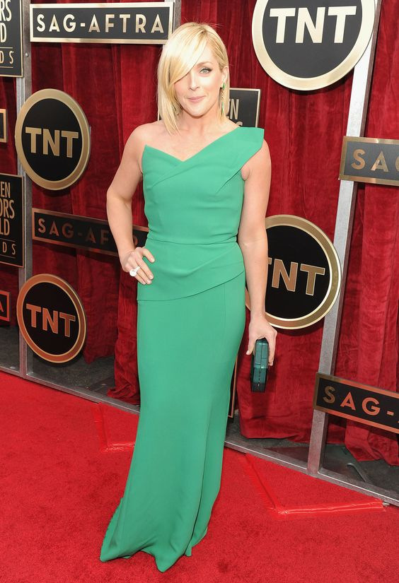 30 Rock's Jane Krakowski popped up on the red carpet in a bright green gown.