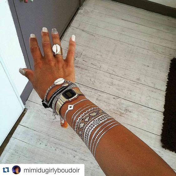 #Repost @mimidugirlyboudoir avec 9 #tattoos. Au gré de son humeur. Elle a peu à peu ajouté des bijoux , tattoos et composé, une parure originale  Eyota, Chumani et Feeling Tropical. www.ethnikk.com Code promo : rentree15 #tattoo #ootd #bijou #bijoux #igers #love #fashion #girl #instaday #tatouagetemporaire #tatt #bijouxdepeau #tatouageephemere #Bracelets #igers