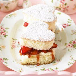 10 Beautiful Mother's Day Desserts - These easy and delightful Mother's Day strawberry sponge cakes are just the thing to win over mom's heart.