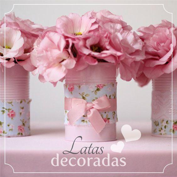 DIY: latas de molho de tomate pintadas e decoradas viraram lindos vasinhos. #joyinthebox #diy #latasdecoradas: