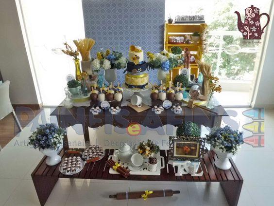 Azul marinho e amarelo comandam os detalhes desta divertida e inesquecível cerimônia #ChádaTaiana