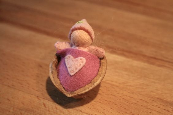 Walnut Baby Tutorial.  Mom and I made these with clay when I was young.  We made mice in walnut shells.
