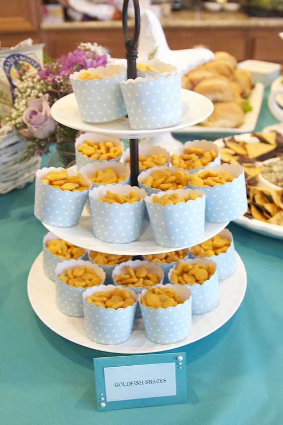 Themed parties fish crackers and project nursery on pinterest for Fish themed party food