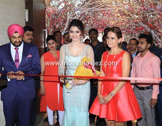 Urvashi Rautela at the inauguration ceremony of Glamour Exhibition 2016 #urvashirautela #glamourexhibition2016