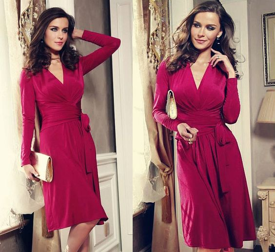Розовое платье с рукавами сделает девушку нежной. Цвет супер, фасон элегантный.