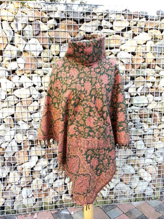Poncho de lana Reversible con verde de cuello alto de por Coisas4u