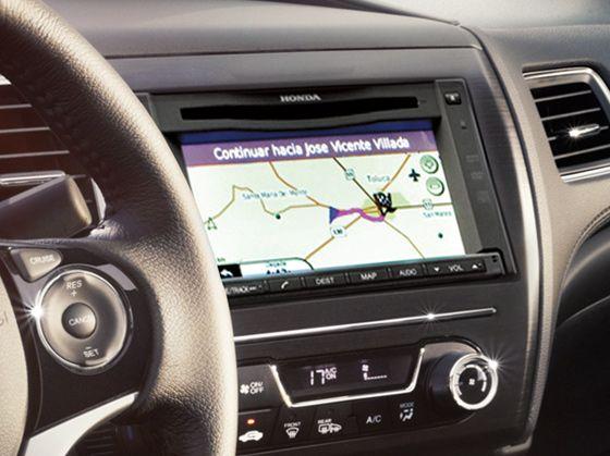 Sistema de navegación satelital GPS.  Ahora disponible como opción en la versión EXL, tienes un sistema de navegación satelital GPS Navi, que es visible en una pantalla táctil de LCD a color de 6.1 pulgadas con lector de DVD audio y video, para que siempre llegues a donde quieres.