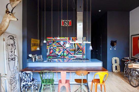Piezas de mercadillo conjugadas con mucho arte en un loft neoyorquino http://goo.gl/DvuWLs  #LOVE #LIVE #COLOR #Decoración #Interiorismo