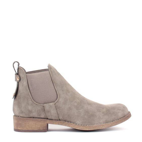 Bottines plates - Boots is a best - 29.99€ #boots #shoes #mim