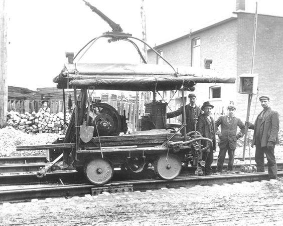 1912 Machine à joindre les rails, Archives de la Société de Transport de Montréal,1-910-019