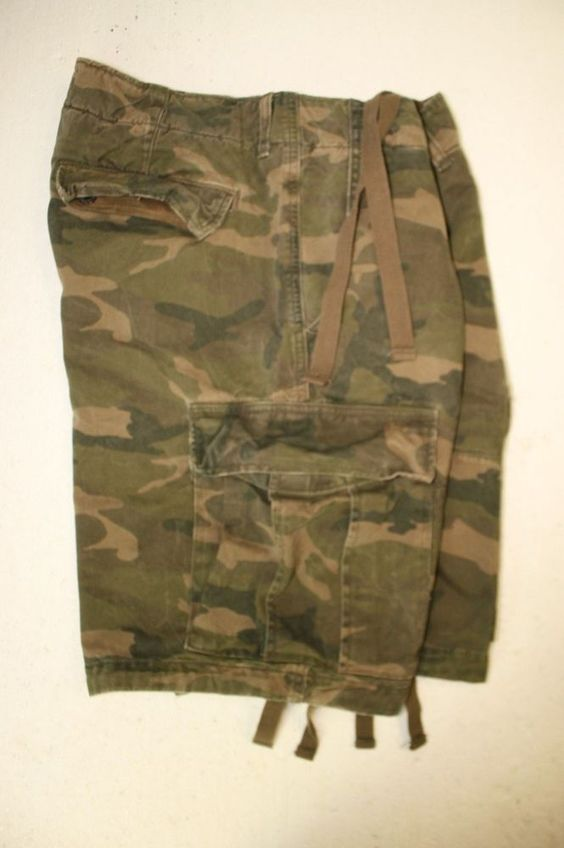 Abercrombie Fitch Heavyweight Green Camo Cargo Shorts Mens 33 Button Fly 2819 #AbercrombieFitch #CargoShorts #Camo