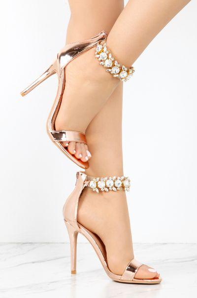 SANDALIA SALTO FINO IMPORTADA DIVA | Sapatos, Sapatos fofos