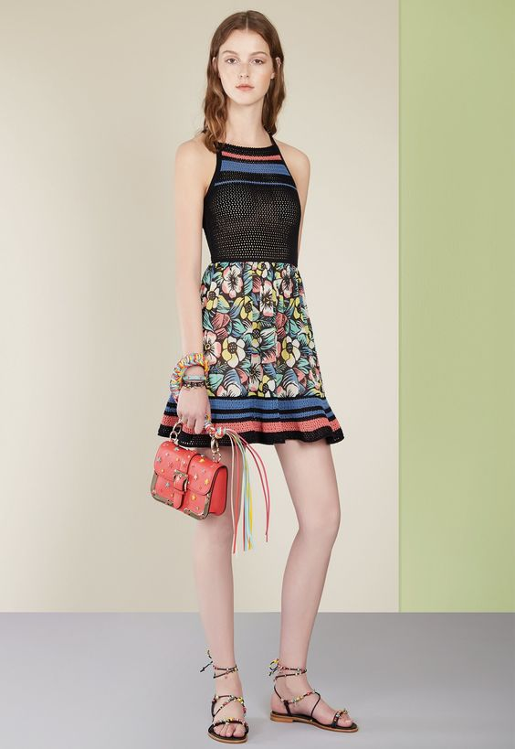 See the complete Red Valentino Spring 2017 Ready-to-Wear collection.