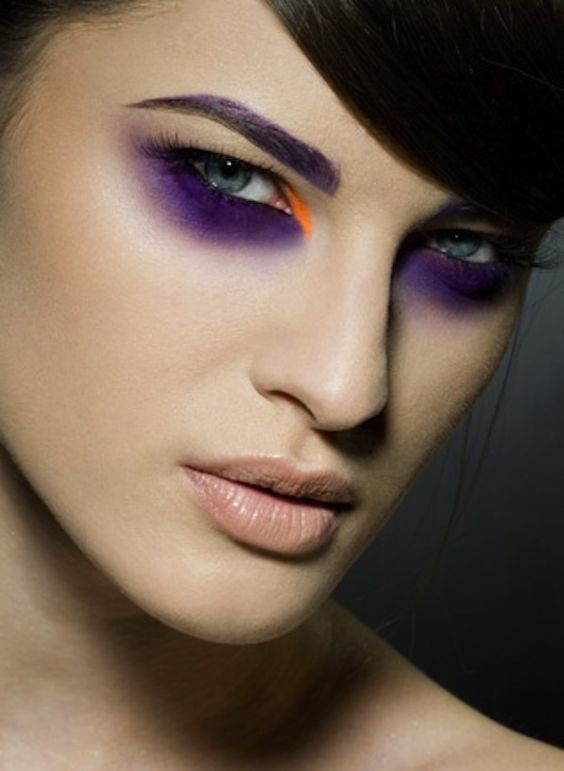 Reverse smoky eye   Hair News Network    The most comprehensive directory for you the professional, and your clients.    Visit us at http://www.hairnewsnetwork.com/    Hair News Network.    All Hair. All The Time.
