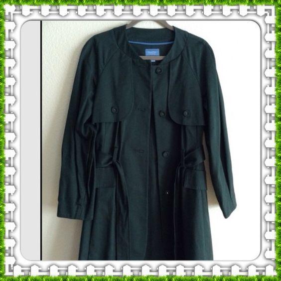 Coat Hunter green Vera Wang coat.  Very nice worn twice. Pictures don't do it justice. Vera Wang Jackets & Coats
