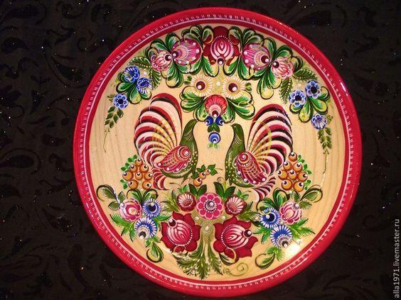 """Купить Деревянная тарелка """"ГОРОДЕЦКИЕ ПЕТУШКИ"""" - ярко-красный, тарелка, Тарелка декоративная, тарелка сувенирная"""