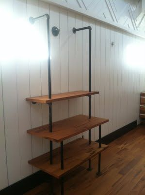 Extremely clever - George Nelson Omni style shelf in an instant!