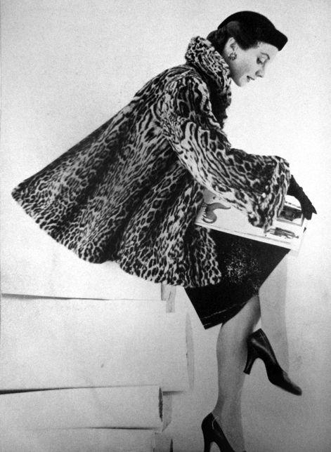 Fashion for Vogue Paris <3 1951, print ad leopard swing back coat jacket new look