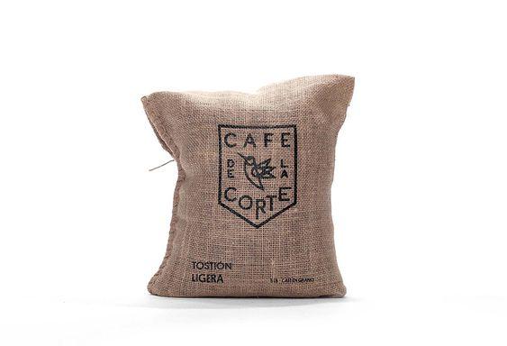 Café De La Corte is a family owned, single origin coffee farm in Colombia.