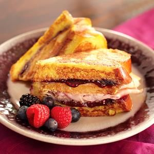 Triple Berry Monte Cristo Sandwich from Smucker's®