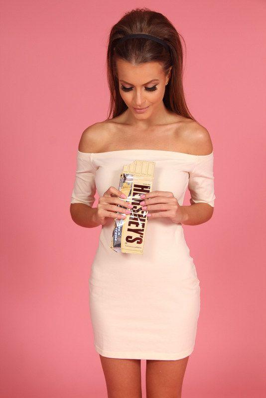 https://www.mundololita.com/site/pt/produtos/categoria/1/vestidos